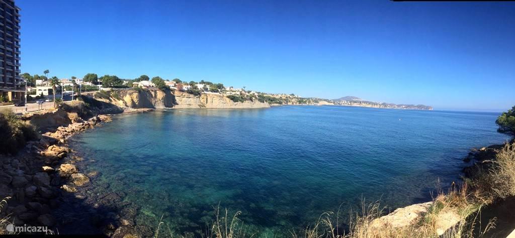 De kustlijn richting Costa Benissa.