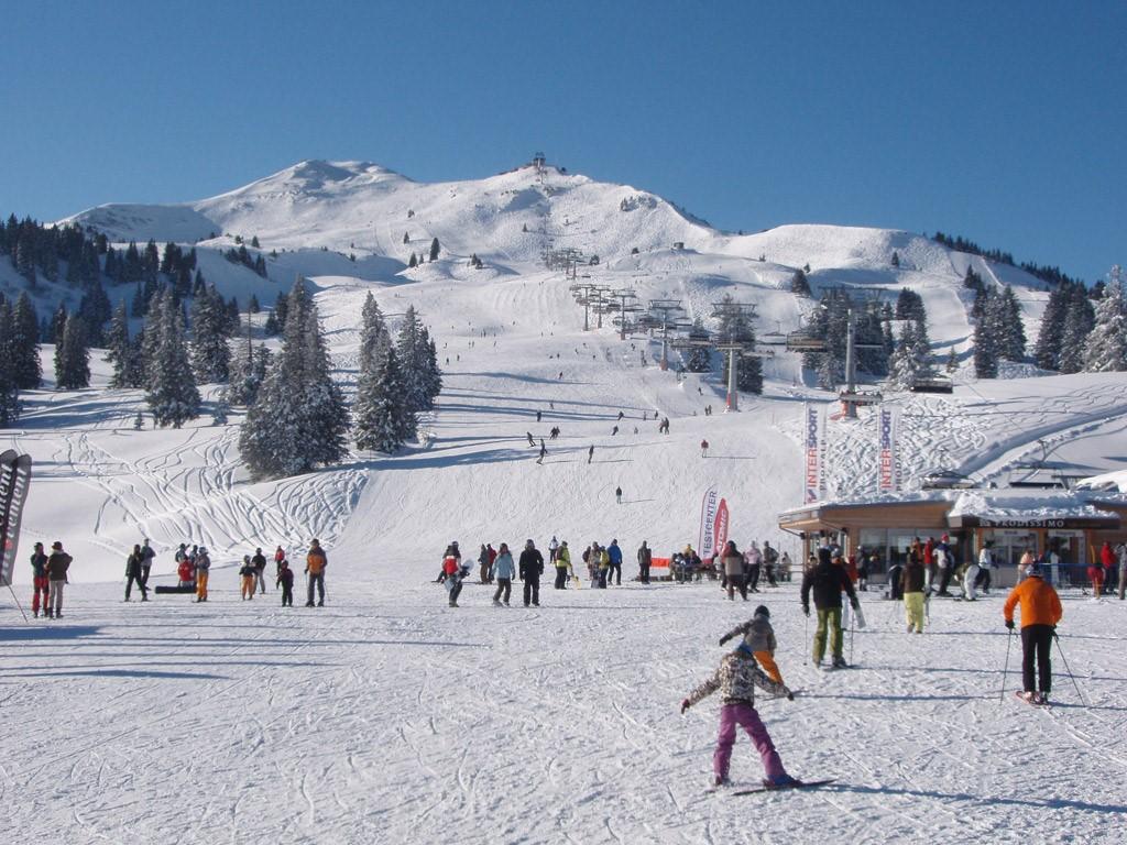 AANBIEDING! 8 dagen: 28 jan. tot 4 febr. en 11 tot 18 febr. nog beschikbaar voor wintersport. Weekprijs met 20% korting op aanvraag bij verhuurder