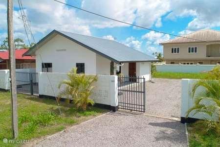 Vakantiehuis Suriname, Paramaribo, Paramaribo vakantiehuis Villa Tourtonne