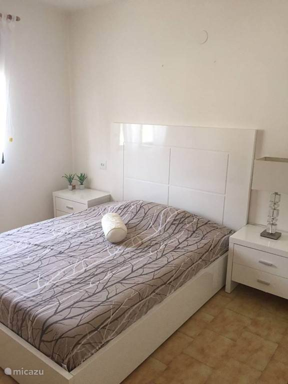 Slaapkamer 1 boven Villa 2 pers bed