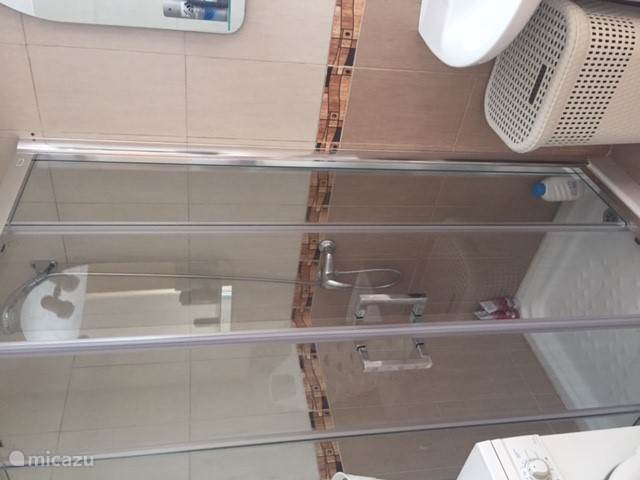 badkamer 3 beneden