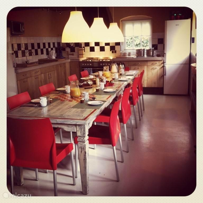 open keuken met alle voorzieningen