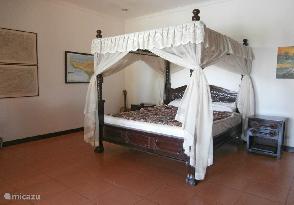 .Room Main house