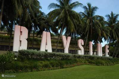 bay side market place