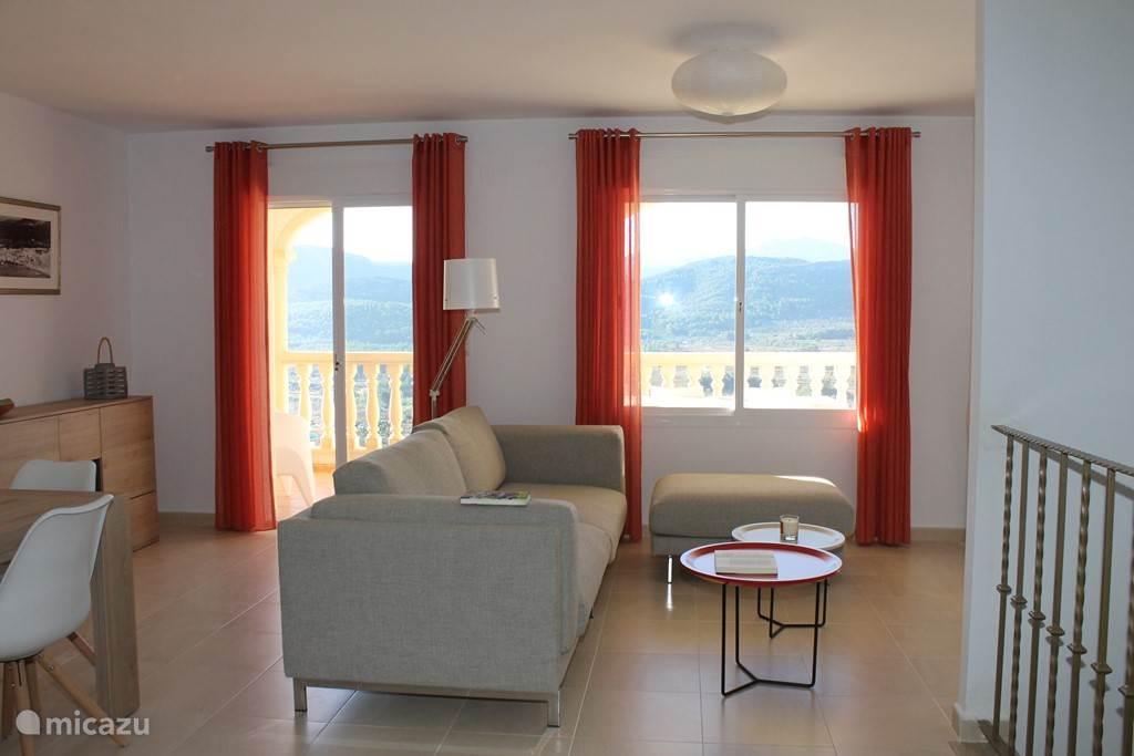 Mooie lichte woonkamer