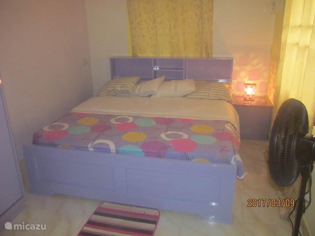 Slaapkamer 1 met ventilator