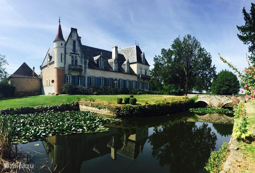 Vakantiehuis Frankrijk, Auvergne, Le Breuil landhuis / kasteel Chateau Beaupoirier