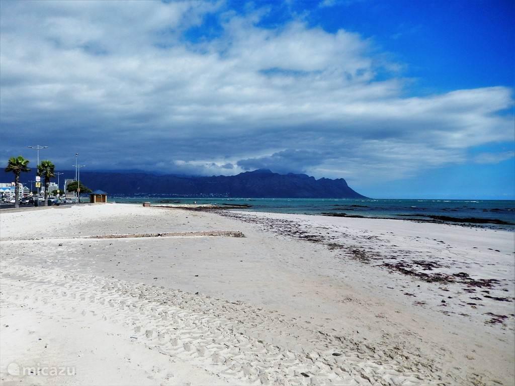 Het strand van Strand.