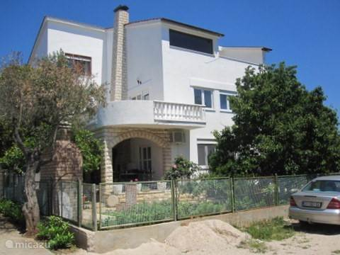 Vacation rental Croatia, Dalmatia – apartment Villa Kristina