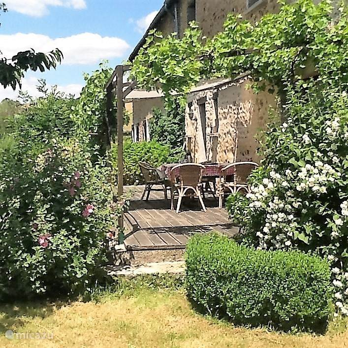 Vacation rental France, Burgundy, Ouroux-en-Morvan holiday house Maison d'haricot
