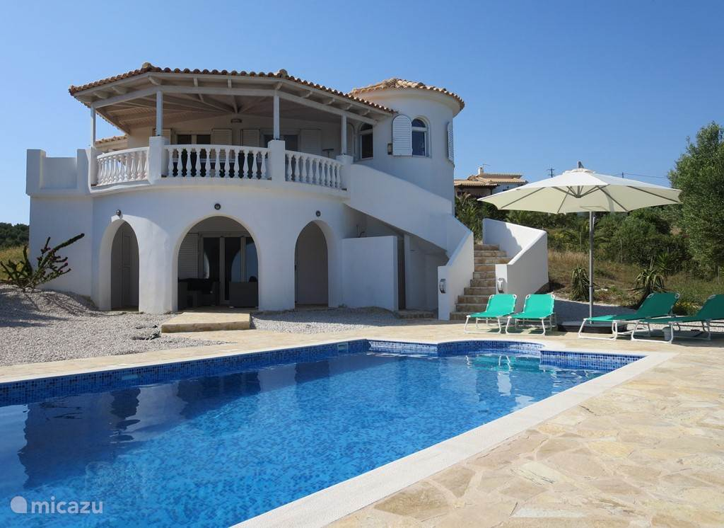 Vacation rental Greece, Peloponnese – holiday house Greek villa by the sea