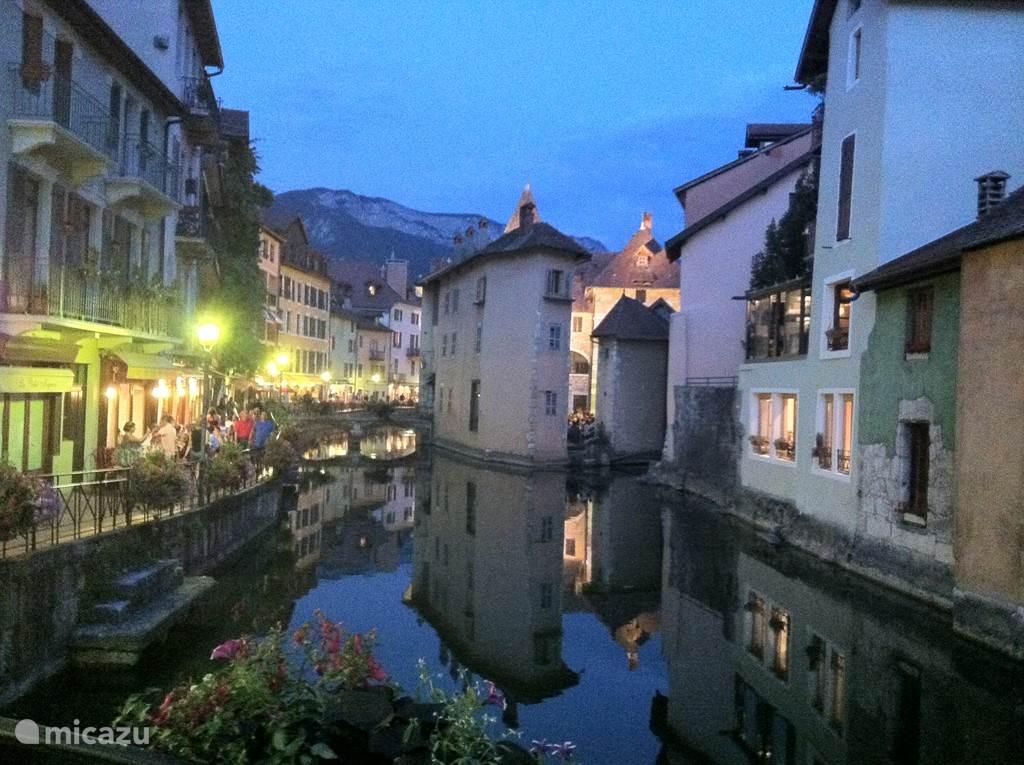 Annecy, wordt ook wel het Venetië van Frankrijk genoemd.