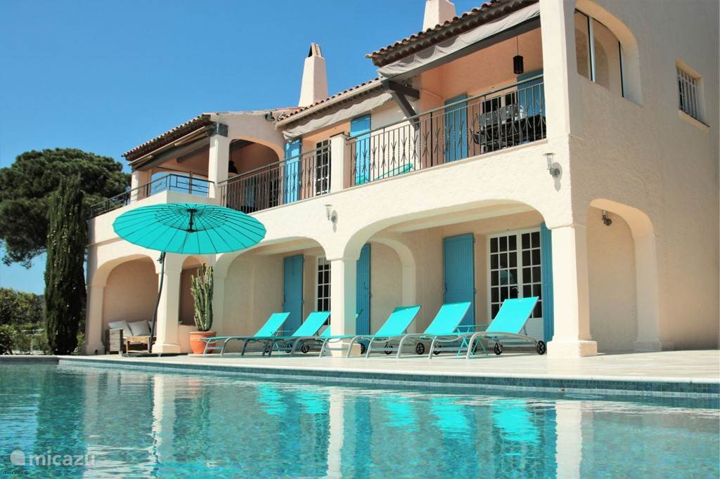 Vacation rental France, French Riviera, Les Issambres villa Villa Savoir Vivre with sea view