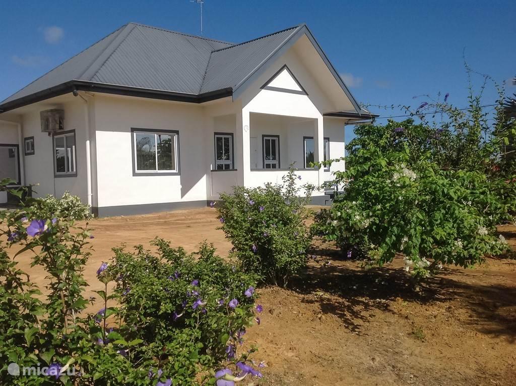 Vakantiehuis Suriname, Wanica, Leiding Vakantiehuis Buitenhof