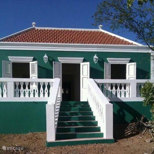 Vakantiehuis Curaçao, Banda Ariba (oost), Cas Grandi Vakantiehuis Monument Montagne Rey