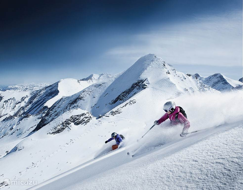 Kitzsteinhorn glacier offers 10 months of guaranteed snow! Only 10 minutes away from our apartment Combi ALM 1 & 2
