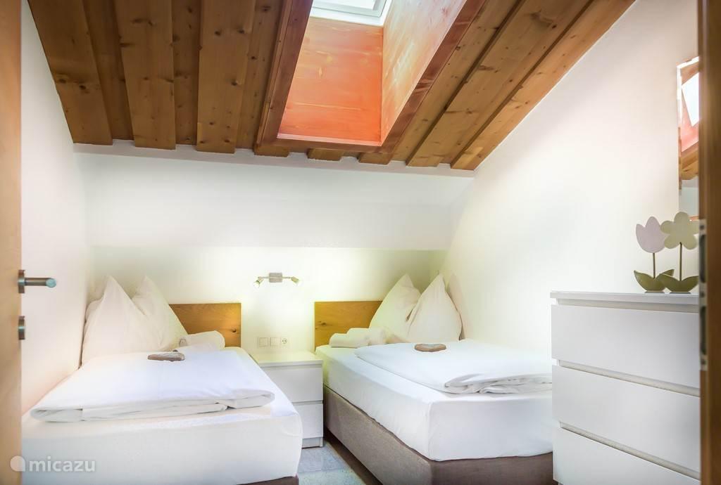 1. bedroom 2 beds