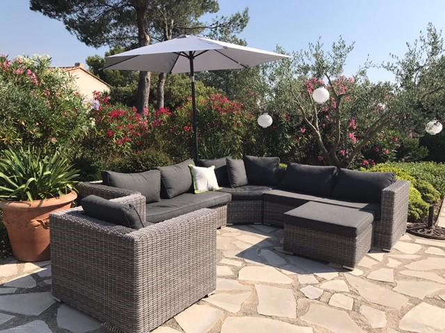 Schitterende villa+verwarmd prive zwembad+tennisbn. op rustig villapark in de Provence. Week 16-23 september van € 1350 nu € 1195. V.a. 30/9 nu € 995