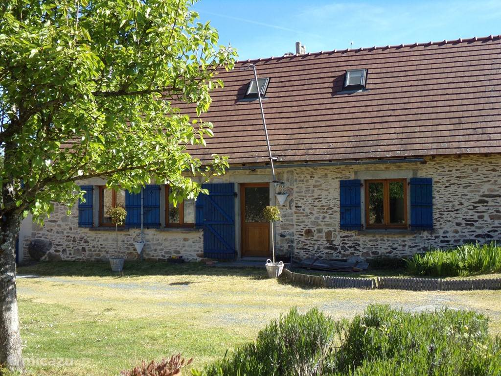 Vacation rental France, Limousin, Saint-Priest-Ligoure holiday house champagnac