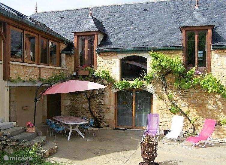 Vacation rental France, Dordogne, Lieu-dit Les Bouysournes holiday house Aux Noyer