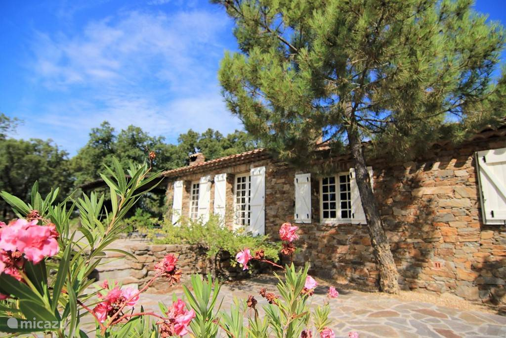 Vacation rental France, French Riviera,  Le Plan-de-la-Tour - villa Domaine les Messugues sea view