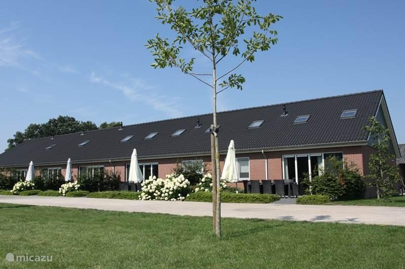 ferienhaus 39 t katreel bauernhaus wohnung in haaksbergen overijssel niederlande mieten micazu. Black Bedroom Furniture Sets. Home Design Ideas