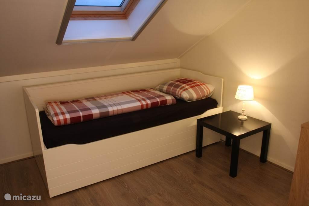 1 of 2 persoons slaapkamer met onderschuifbed (1e verdieping) slaapkamer 5