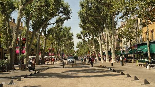 The heart of Aix en Provence - Cours Mirabeau
