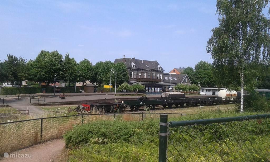 station stoomtrein bereikbaar via ons park