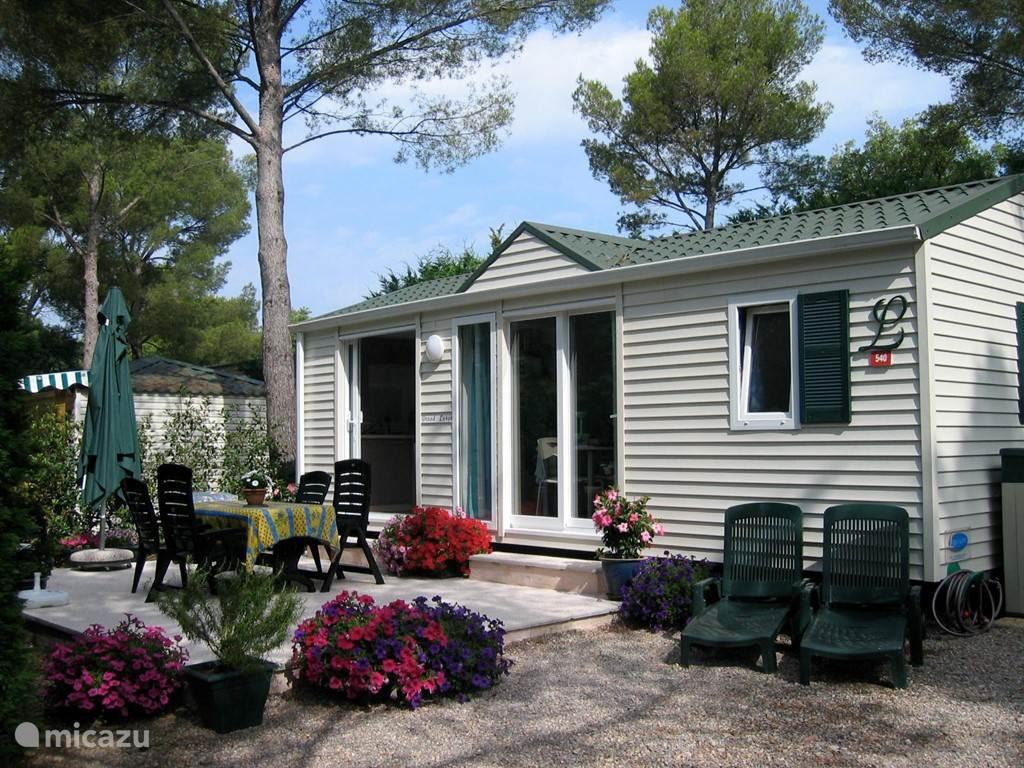 Vacation rental France, French Riviera, Saint-Raphaël Chalet Louisiana