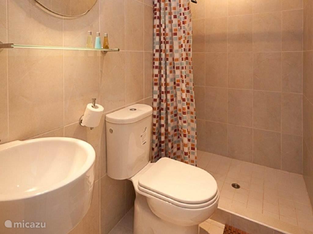 Badkamer 2 appartement Tobago