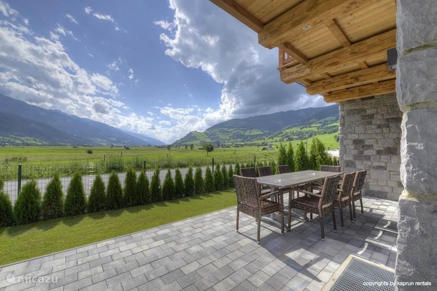 Prachtig uitzicht vanuit de luxe tuin.