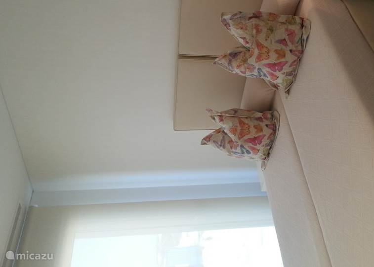 Slaapkamer 2 : 2 éénpersoonbedden, apart of aan elkaar te schuiven