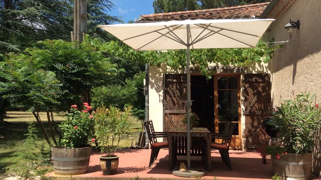 Nog vrij vanaf 16 juni in onze prachtige omgeving en totale rust in Z.W. Frankrijk, met een mooie korting: 1 week € 400 en 2 weken € 750, incl.