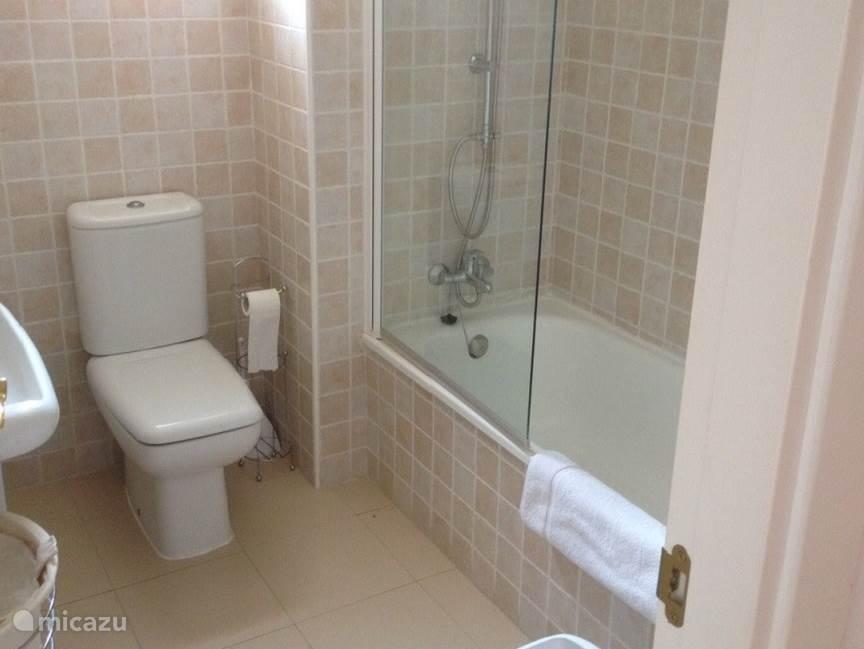 Badkamer 2 appartement Reserva de Marbella