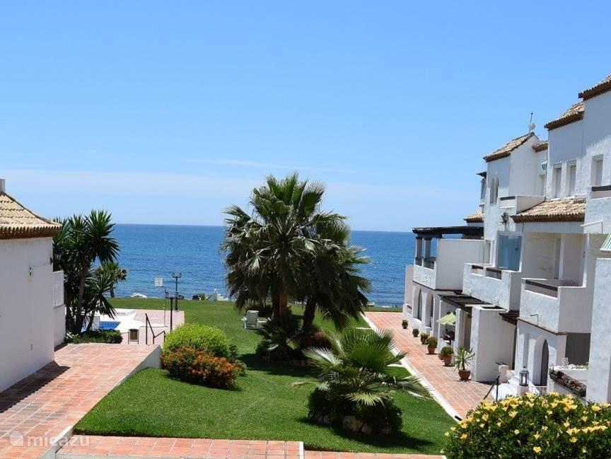 Complex en voorzijde appartement Playa de la Lucera II