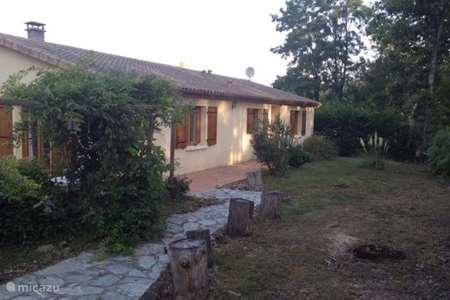 Vacation rental France, Charente, Écuras bungalow Village le Chat 181