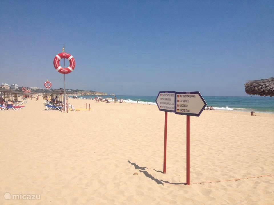 Het strand van Alvor op nog geen 1000 meter afstand