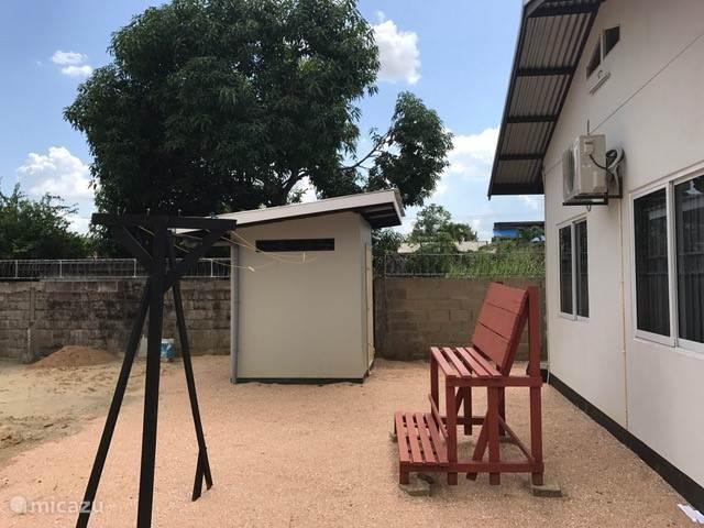 Vakantiehuis Suriname, Paramaribo, Paramaribo Bungalow Possentrie
