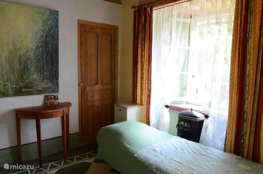 De groene slaapkamer, andere hoek.