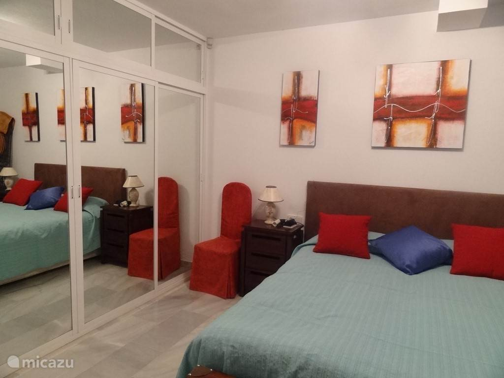 grote slaapkamer met airco