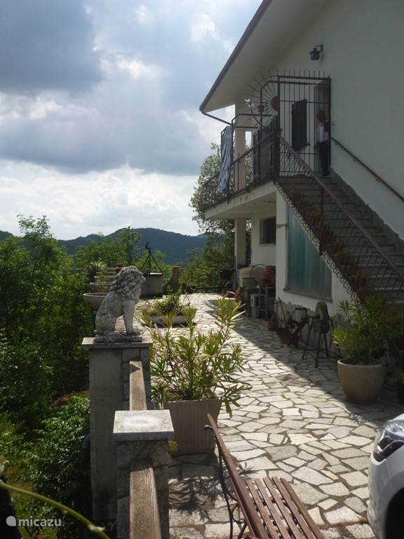 Vakantiehuis Italië, Piëmont, Castelletto d'Erro appartement La Gallina Bianca