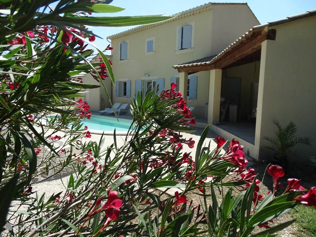 Vacation rental France, Languedoc-Roussillon, Saint Paulet de Caisson - villa Au Bon Coin