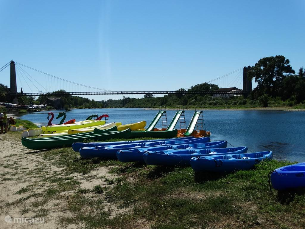 Swimming and paddle boats, canoe rentals in St. Martin d'Ardèche, just 10min. drive.