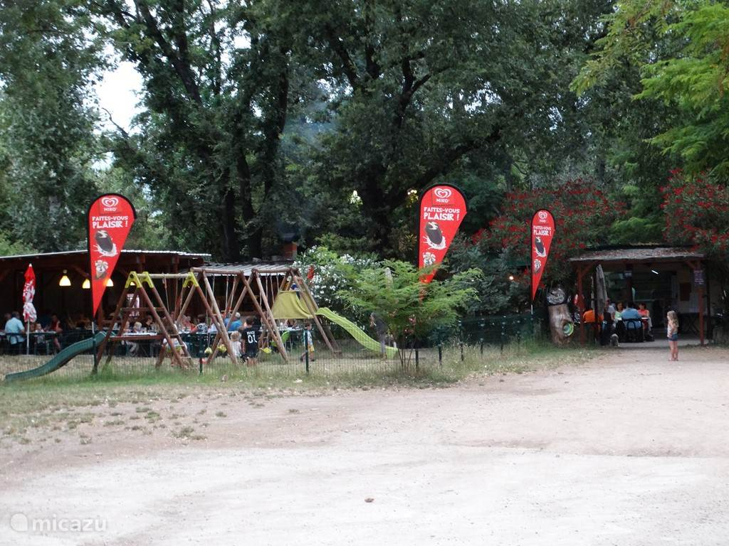 Guinguette La Piboulette. A cozy outdoor restaurant for the whole family with delicious local menus on the edge of the Ardèche just 5 minutes drive away.