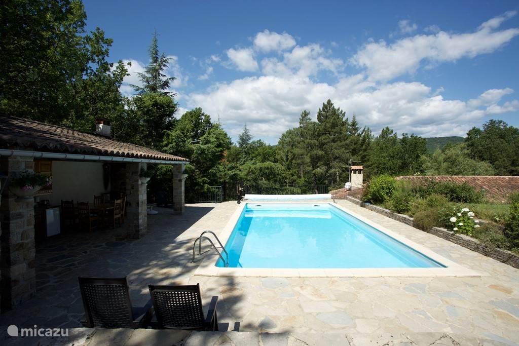 Vacation rental France, Languedoc-Roussillon, Molières-sur-Cèze villa Villa Les Brousses