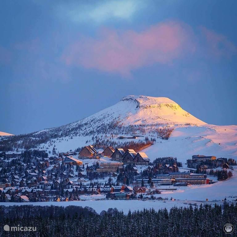 Ski resorts, Super Besse and Le Mont Dore