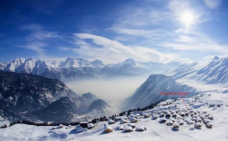 Zo ziet het er 's winters uit. Skien vanuit het chalet ....