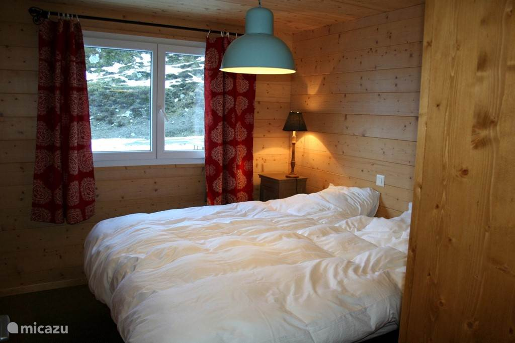 Slaapkamer 2, met twee eenpersoons bedden