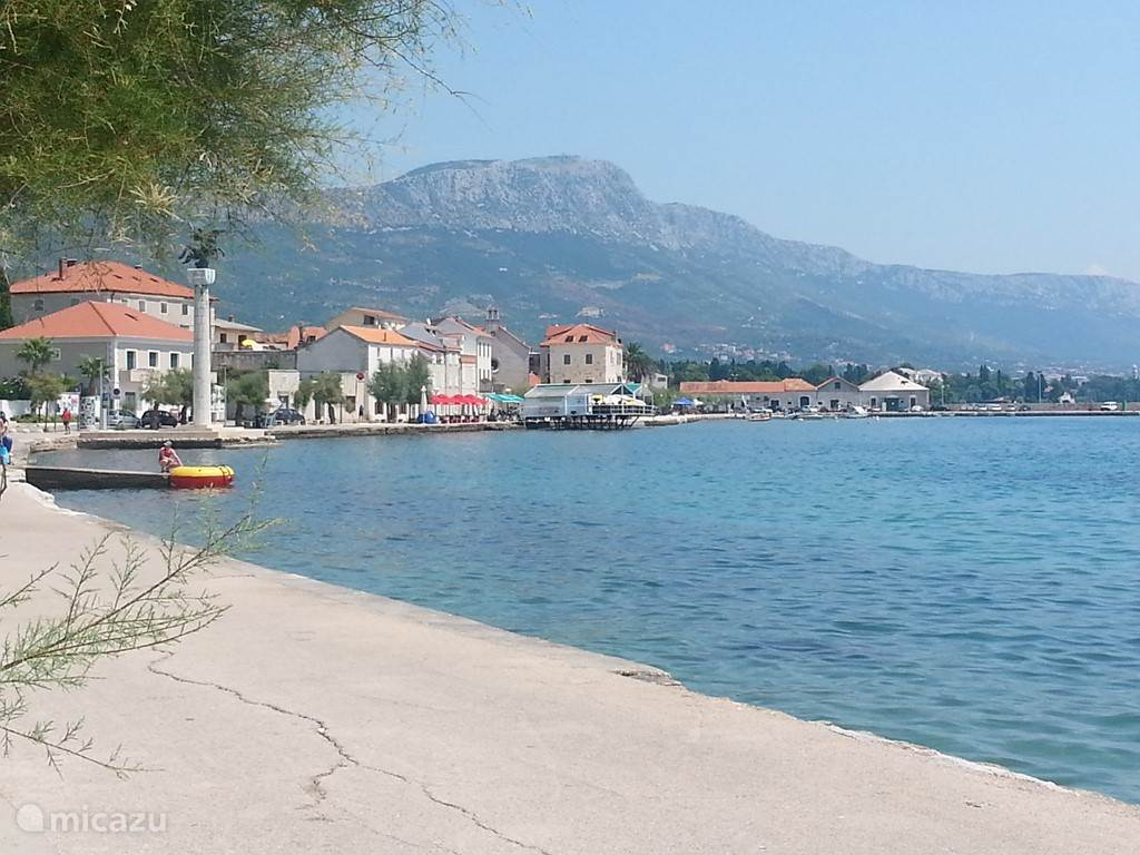 The Riva Kastel Novi, cafes and restaurants within walking distance.